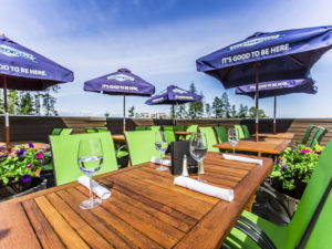 best-Nanaimo-Vancouver island-restaurant-pub-patio-seafood-live music show-patio361