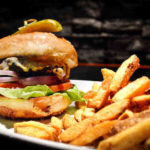 best-Nanaimo-Vancouver island-restaurant-pub-patio-seafood-live music show_27the_classic_cheese_burger